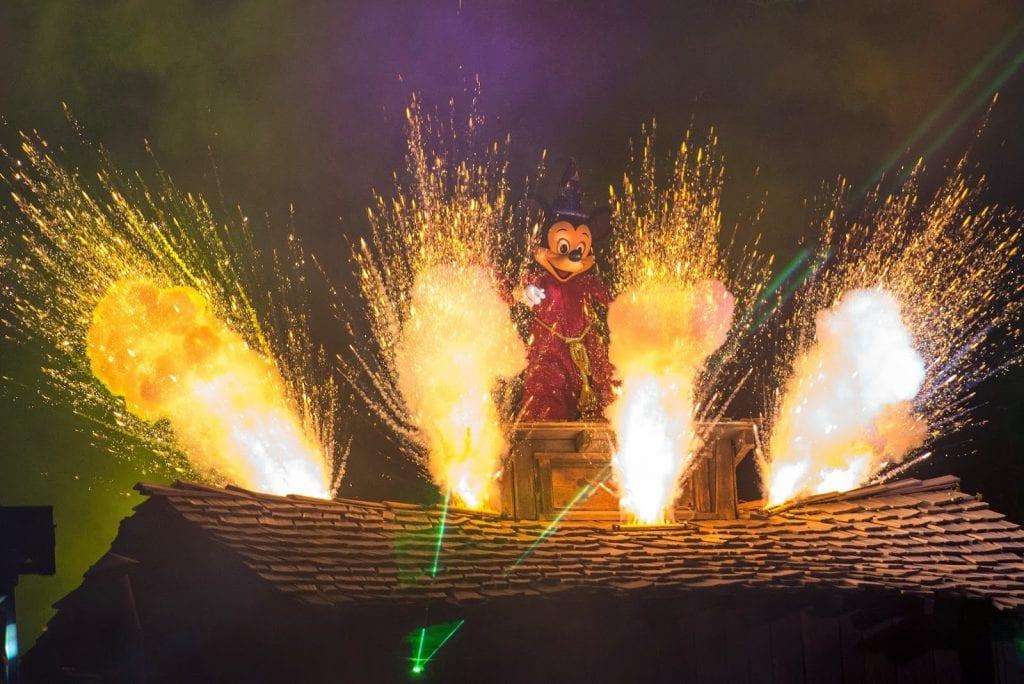 Mickey Fantasmic Photo Finale Celebration