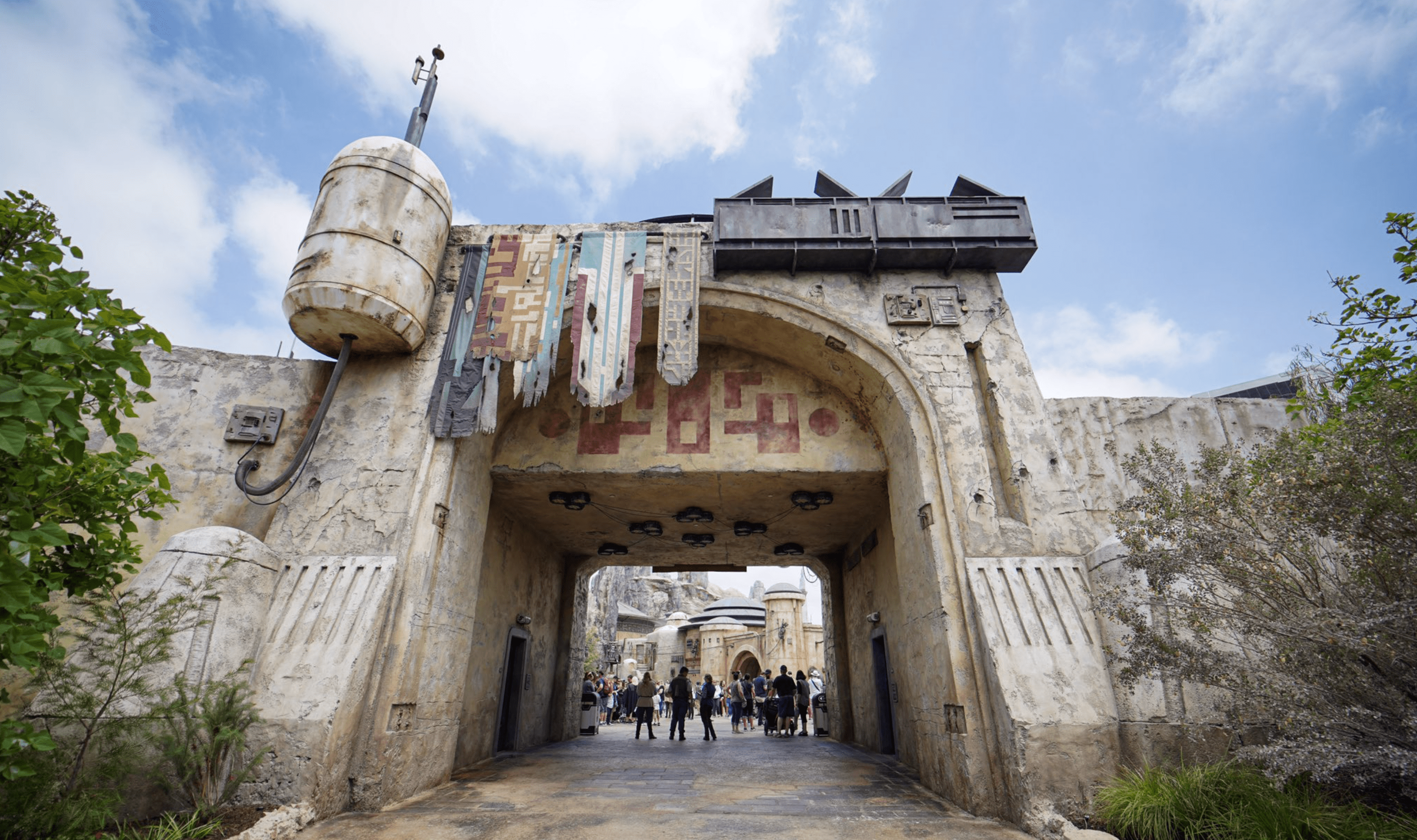 Star Wars: Galaxy's Edge Entrance