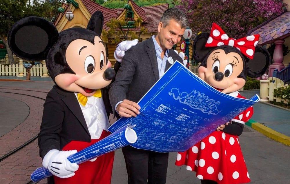 Josh D'Amaro with Mickey and Minnie [Source: Disney Tourist Blog]